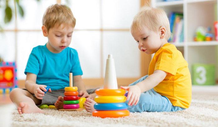 چرا کودکان با اشتباه کردن دچار احساس منفی نمیشوند؟